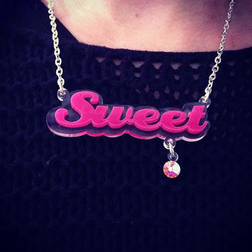 DANGLE JEM name necklace laser cut by didepux on Etsy