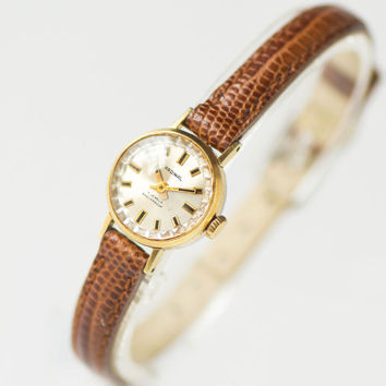 Tiny woman's watch Cardinal, micro watch gold plated gift, feminine watch shockproof, classic lady's watch petite, genuine leather strap new
