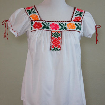 Mexican Peasant Blouse Floral Embroidered Red orange Flowy Shirt Medium