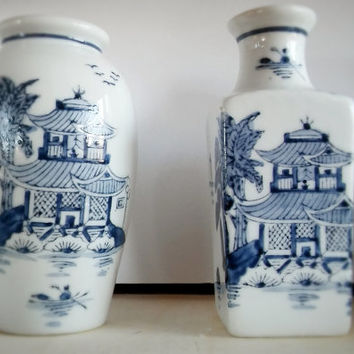 Blue and White Oriental Landscape Vase Set of 2, Vintage China Porcelain Small Bud Vase