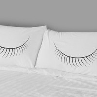 EYES pillowcase set.