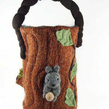 Log home toy bag, waldorf toy, toy bag, hollow log toy bag, woodland toy bag, stuffed toy, felted toy