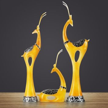 The European family of three deer Living room wine cabinet home decorations Creative crafts wedding gifts