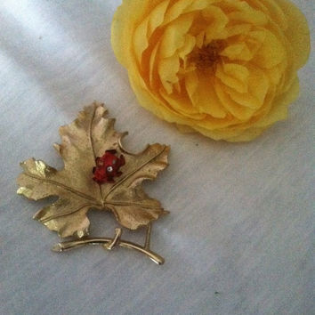 Gold Leaf Pin, Maple Leaf With Ladybug Brooch, Bit O' Fantasy Pin, Vintage Sarah Coventry Brooch, Fall Gold Leaf Brooch,Thanksgiving Gift