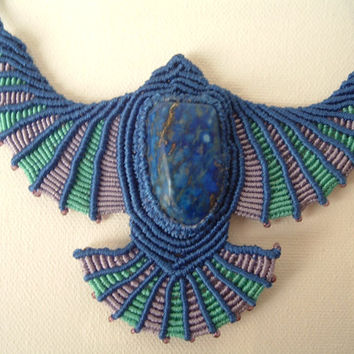 BLUE EAGLE - macramé necklace