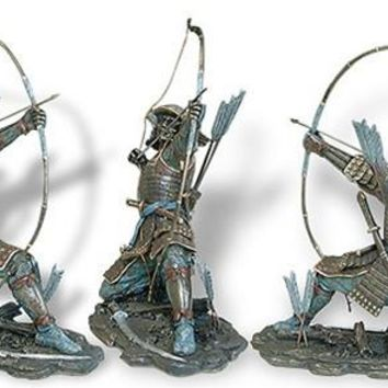 Samurai Archer with Bow and Arrow Kneeling Sculpture Kyujutsu 10.5H