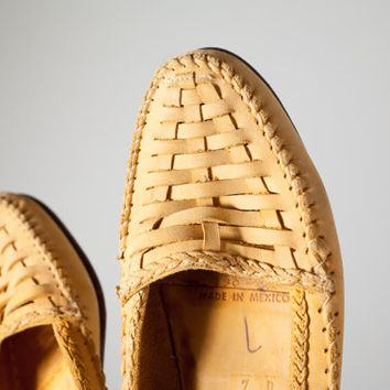 Vintage Cole Haan Loafers | Yellow Leather Shoes Yellow Shoes Woven Loafers 90s Shoes 90s Loafers Soft Leather Boho Chic Preppy Hipster 80s