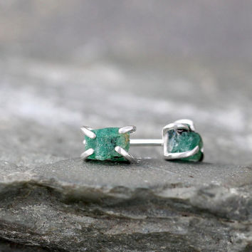 Raw Emerald Earrings - Uncut Rough Emerald Earring - Sterling Silver Stud  - May Birthstone - Green Gemstone Earring - Raw Emerald Jewellery