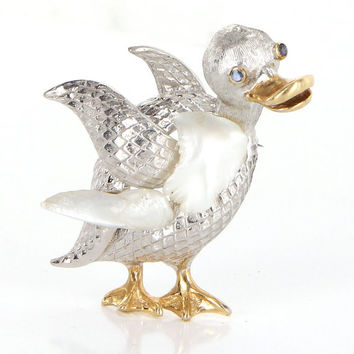 Vintage 14 Karat Yellow White Gold Sapphire Freshwater Pearl Duck Bird Brooch Pin Animal Estate Jewelry