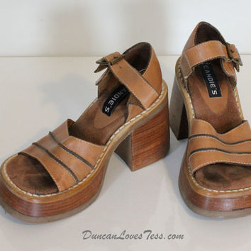 Vintage 70's Shoes / Vintage Platform Candie's /  Chunky Wooden Sandals / Retro Hippie Boho / Spring Summer / 70s Fashion