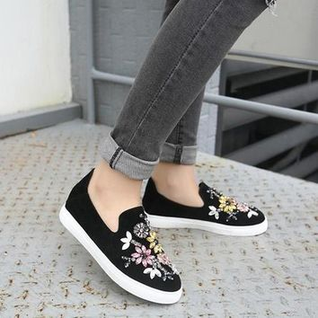 Black Round Toe Flat Beads Casual Shoes