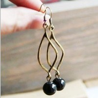 Vintage Black bead Long Dangle Earrings at Cheap Vintage Jewelry Online Store Gofavor
