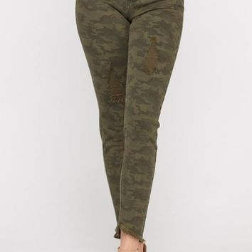 Cassie Camo Distressed Skinny Jeggings Pants