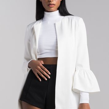 AKIRA Flounce Sleeve Collarless Open Front Lightweight Spring Jacket in White