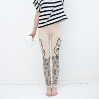 Meadow wolf- beige leggings with black graphic print