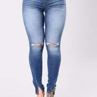Look Closely Jeans - Medium Wash