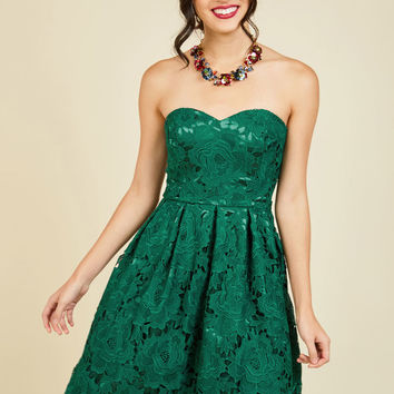 Lasting Expression Lace Dress in Forest