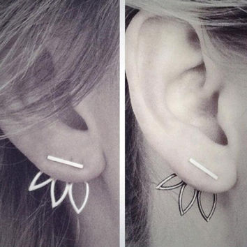 New Hot Fashion Design Earrings for Women Hollow Out Leaf Flower Stud Earrings Simple Metal Ear Jewelry