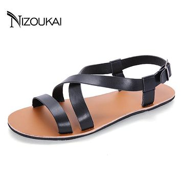 Summer Men Sandals Solid Buckle Beach Gladiator Sandals For Men Breathable New Mens Shoes sandalias hombre