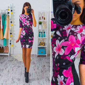 Lily Flower Print Half Sleeve Black Pencil Dress