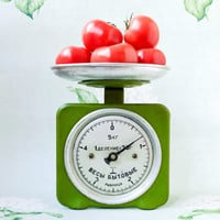Green Kitchen Scales / Soviet Vintage 5 Kilo Kitchen Table Top Scales with a Bowl Dish, Circa 1970's / USSR Retro