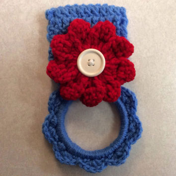 4th of July kitchen towel hanger / hand crochet / USA / patriotic / red white & blue/ gift idea / dish towel hanger / button towel hanger