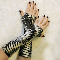 Black and Grey Elegant gloves ,mittens, arm warmers with vintage by WearMeUp