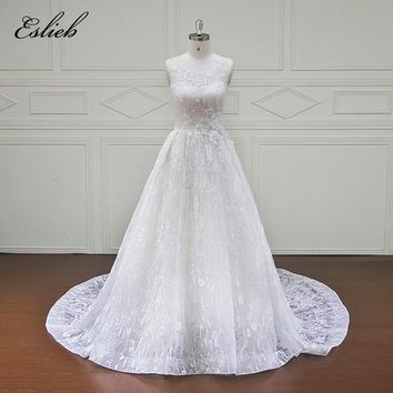 Amazing Lace Tulle Flower Wedding Dress Special Design Button Neck Corset Back O Neck Illusion Sparkling Chapel Tail Bridal Gown