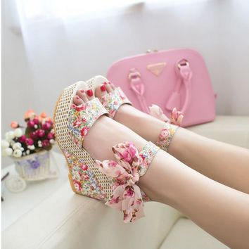 Free shipping new 2016 summer new sweet flowers buckle open toe wedge sandals Floral high-heeled shoes WS002