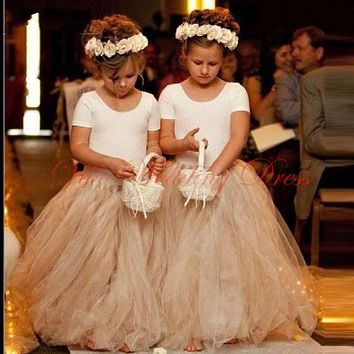 Pretty Princess Girls Flower Girl Dress Short Sleeve Floor Length Champagne Puffy Skirt Lovely Tulle Girl Communion dress