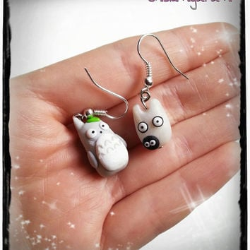 Totoro earrings chibi necklace in polymer clay inspired in Studio Ghibli movie. You can choose surgical steel or 925 sterling silver