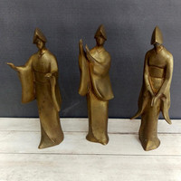 Japanese Art/ Brass Japanese Figures/ Brass Figurines/ Kimono/ Japanese Decor/ Brass Statues/ Brass Art/ Japanese Women/ Japanese Kimonos
