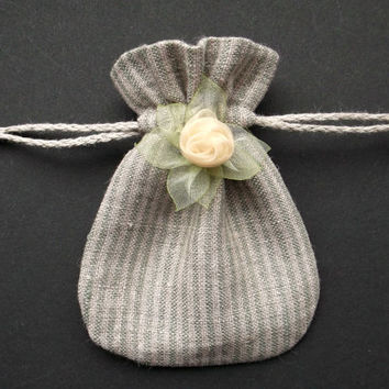 Small drawstring gift bag Striped linen fabric pouch with flower Grey Mint green Kivi green Light yellow 9.5cm x 7cm Jewelry pouch