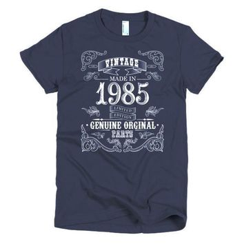 Women's Born in 1985 33 years old T-shirt