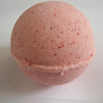 Red Apple Bath Bomb 8oz Vegan by lamiabathshop on Etsy