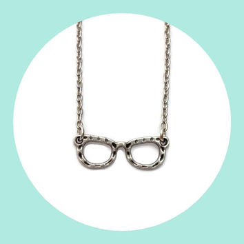 silver glasses necklace in silver colour on chain - vintage style jewellery - cute glasses charm - cute everyday jewelry