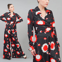 Vintage 70s POPPY Floral Two Piece Pant Suit Bell Bottom Palazzo Pants + Wrap Top 2pc Jumpsuit White Red Medium M