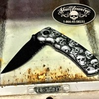 Ghostly Skulls Knife (knife432)