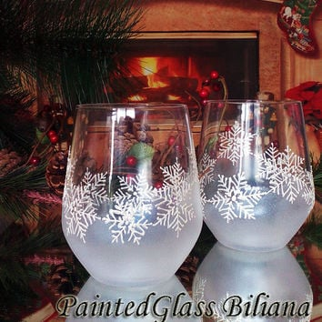 Set of 2 Hand Painted stemless wine toasting glasses Snowflake Christmas Winter theme in pearly white color