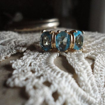 Vintage Blue Topaz 14 K Yellow Gold Three Gem Stone Engagement Promise Ring