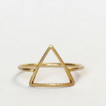 TriAngle Gold Ring