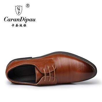 2017 New High Quality Leather wedding Men Shoes Brogues Lace-Up Bullock Business Men Oxfords Shoes Men Dress Shoes Flats