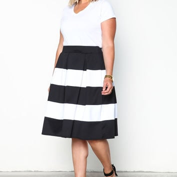 PLUS SIZE STRIPED PLEATED SKATER SKIRT