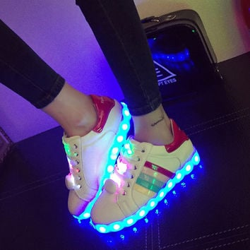 Korean Casual LED Lightning Round-toe Low-cut Flat Stylish Shoes [4964956676]