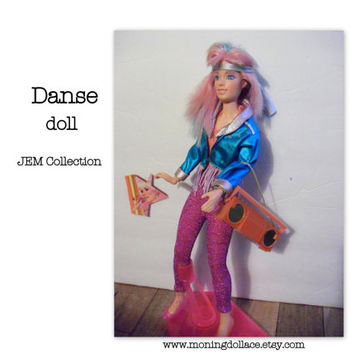Danse doll. Jem and the Hologams doll Collection. 1985. With orange shoes and Boom box. Jem comb. Great condition. Collectible.