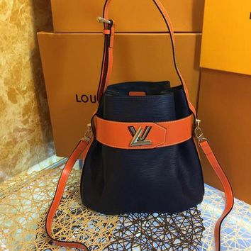 DCCK L039 Louis Vuitton LV Water ripples cowhide barrels pack high-capacity single shoulder bag 29.5-29-14.5cm Black
