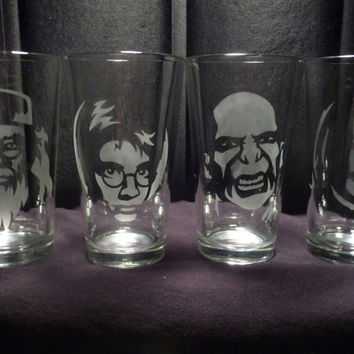 Harry Potter 16 oz Glasses Set of 4 by geekyglassware on Etsy
