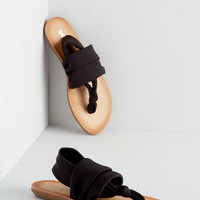 Minimal Stay in the Loop Sandal in Black