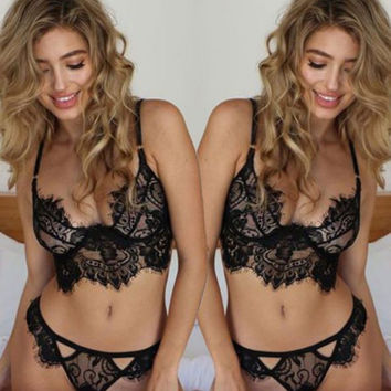 Womens Girl Openwork Lace Suspenders Sexy Lingerie Set Suit Womens Underwear Very Comfortable Ventilation Gift