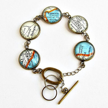 Italy Map Bracelet / Italian Jewelry / Toggle Bracelet / Moving Away Gift / Anniversary Gift for Wife / Birthday Gift for Her / Map Jewelry